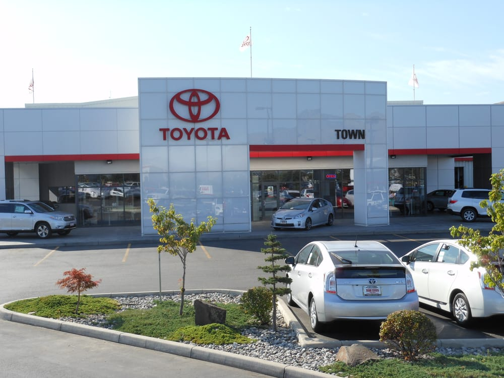Wenatchee Car Dealers >> Town Toyota - 12 Reviews - Car Dealers - 500 3rd St SE ...