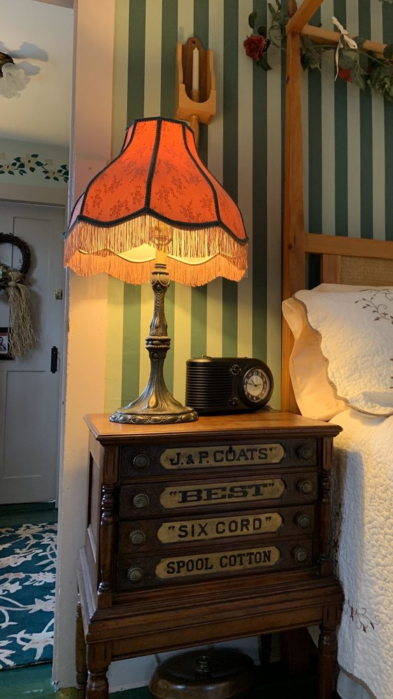 Hallauer House Bed & Breakfast: 14945 Hallauer Rd, Oberlin, OH