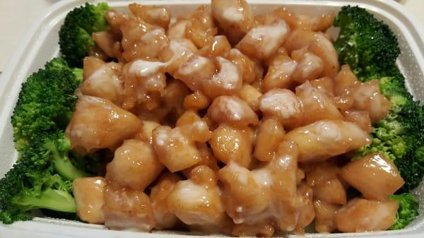 Asian Kitchen 3061 Village Square Dr Hartland, WI Restaurants   MapQuest