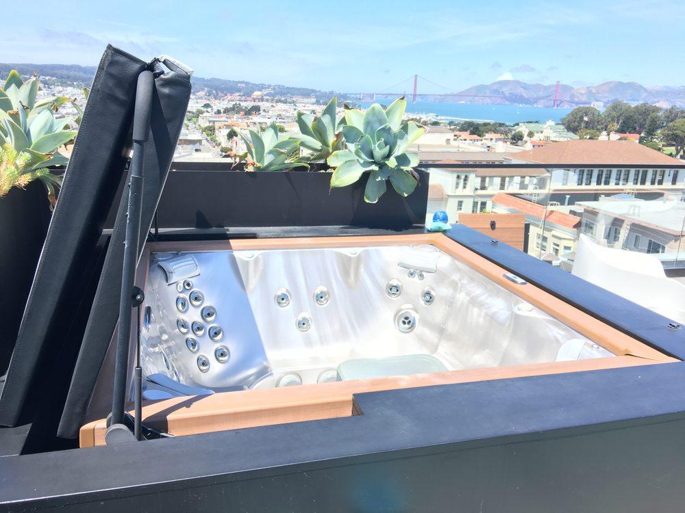 Pure Aqua: 100 Pine St., San Francisco, CA