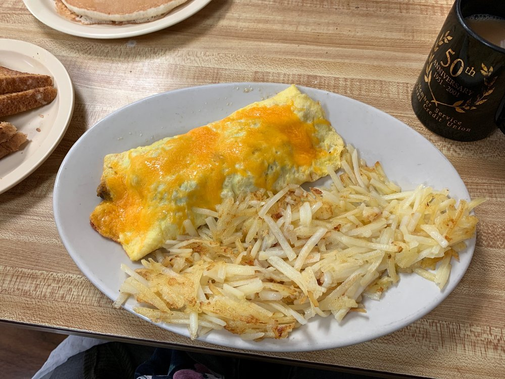 Mama's Country Cafe: 203 Fort St, Barling, AR