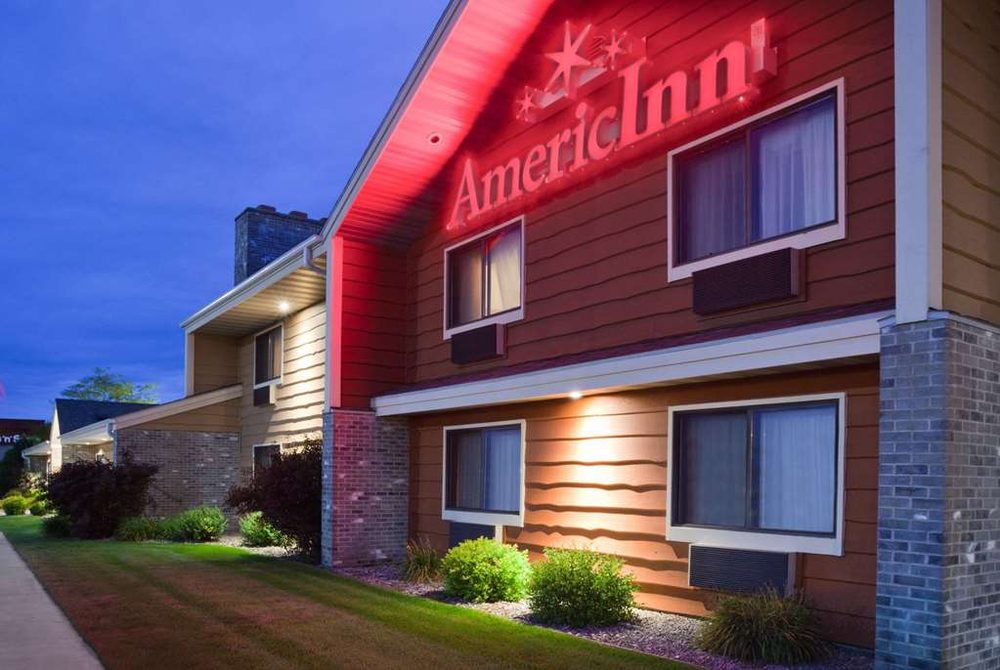AmericInn by Wyndham Plover Stevens Point: 1501 American Dr, Plover, WI