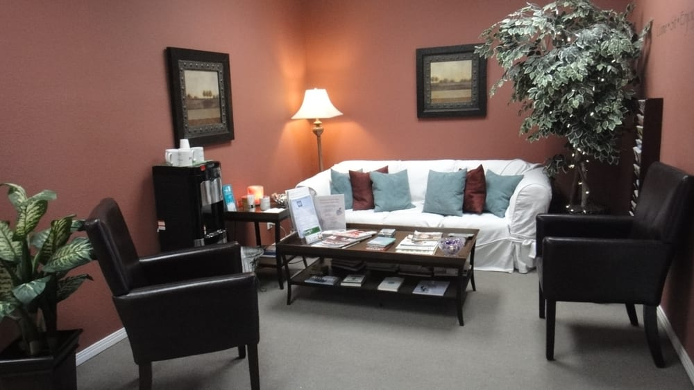 Balance point spa 32 reviews day spas canyon country for Actpoint salon review