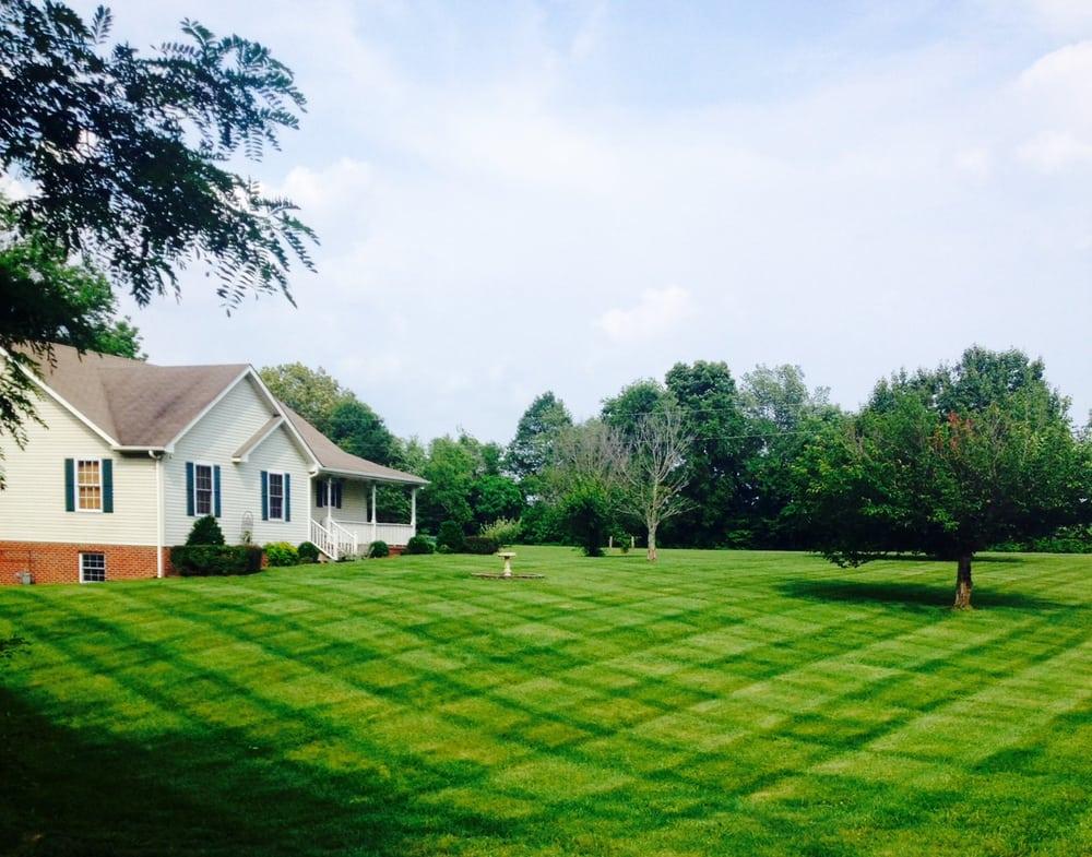 Wyatt's Lawn and Landscape: Adams, TN