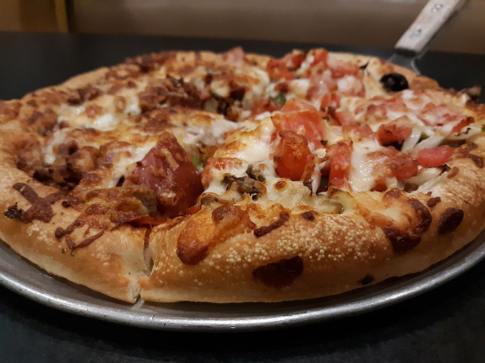 Apollo's House of Pizza: 8151 Warren H Abernathy Hwy, Spartanburg, SC