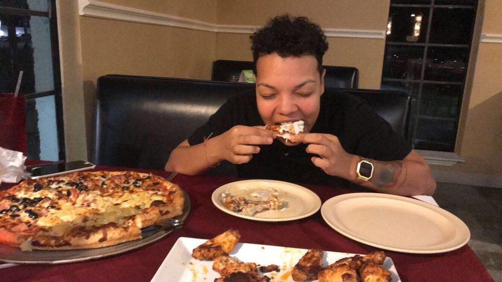 Milanos Pizza: 109 S Commerce St, Overton, TX