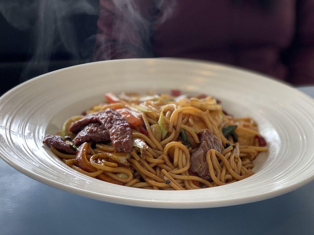 Noodles Fresh: 10042 San Pablo Ave, El Cerrito, CA