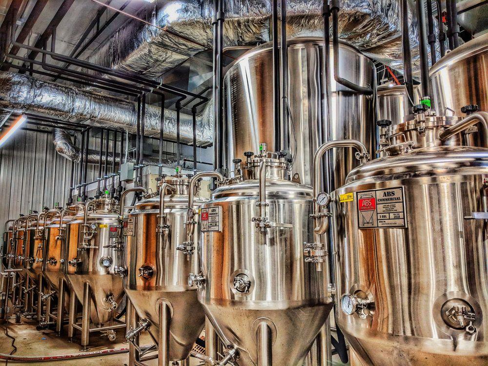 Findlay Brewing Company: 213 E Crawford St, Findlay, OH