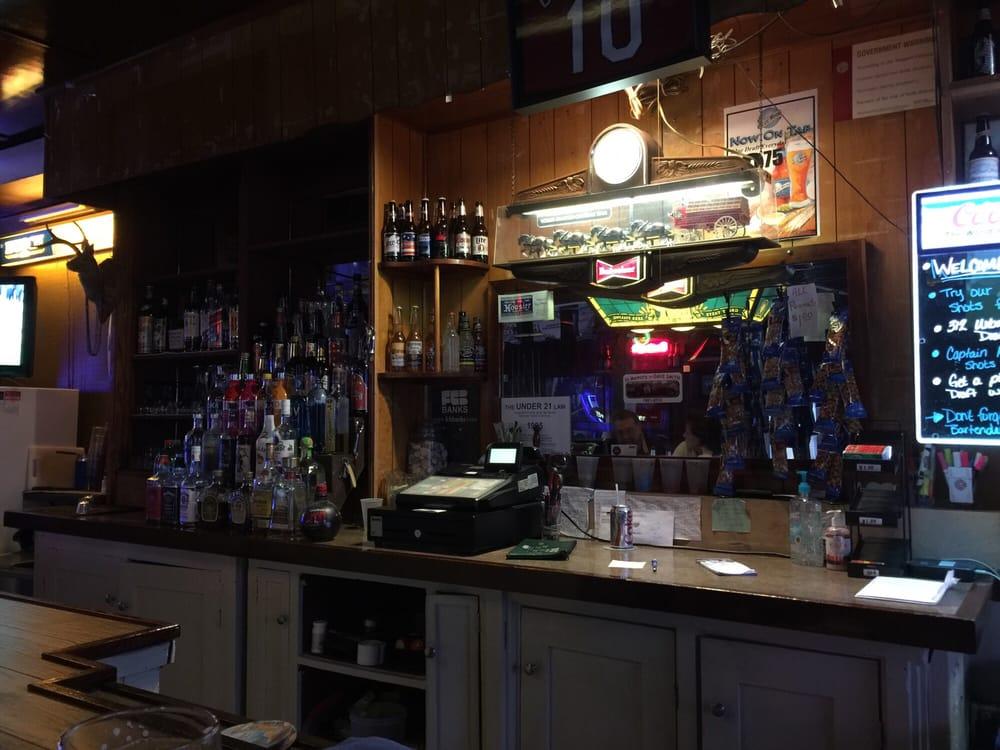Lyle's Tavern: 6201 E Main St, Maryville, IL