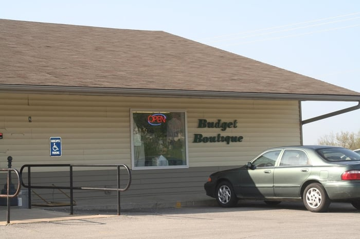 Budget Boutique: 8 Opportunity Ct, Troy, MO