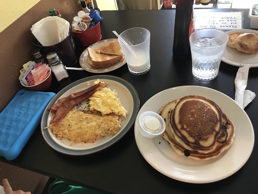 Sunrise Cafe: 315 Reese St, Bay Saint Louis, MS