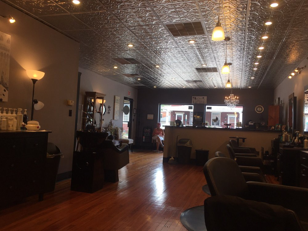 Salon Lavi: 309 3rd St, New Cumberland, PA