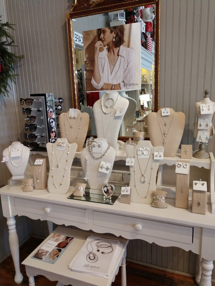 Fireflies Gift Boutique: 50 Broad St, Warm Springs, GA