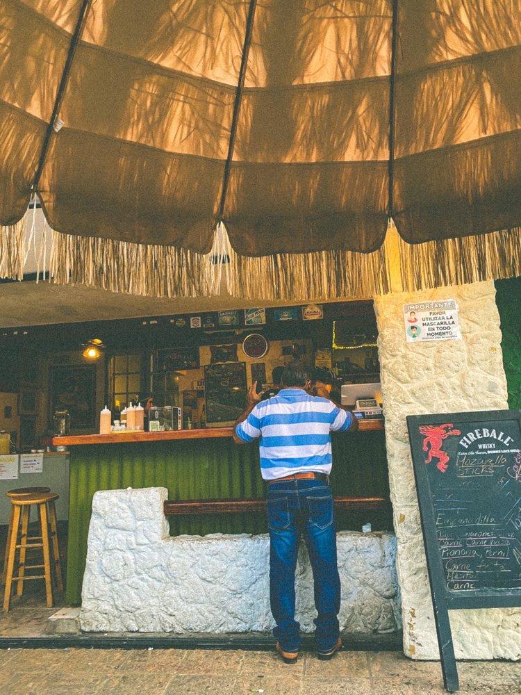 Punto Plena: Calle Mendez Vigo 279, Dorado, PR