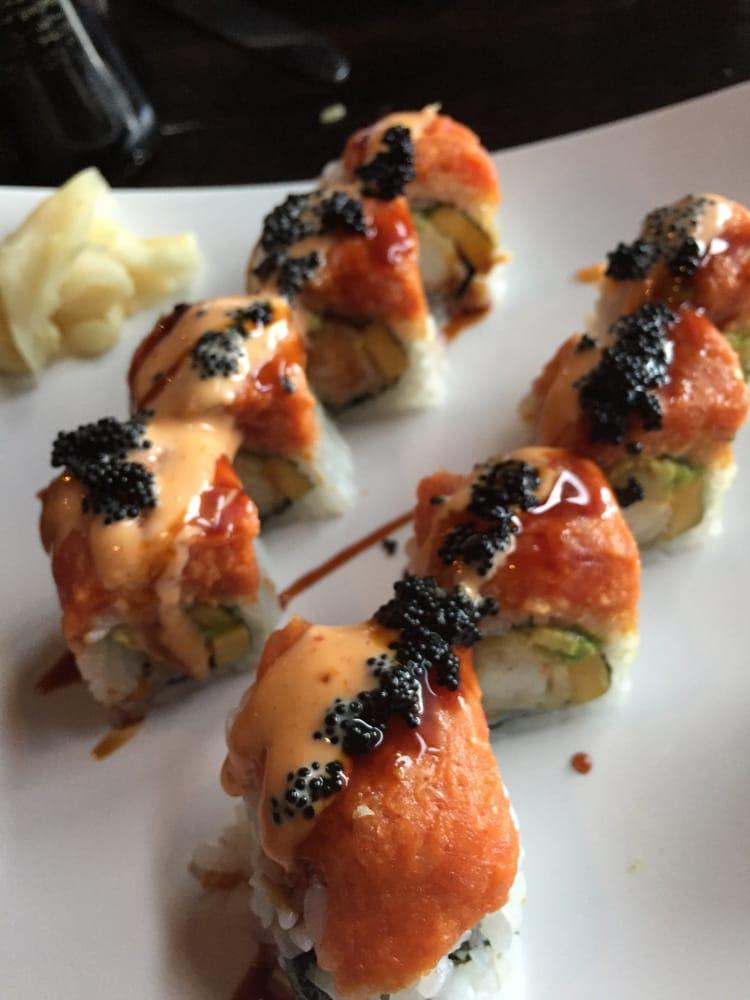 Aroma restaurant sushi 80 photos sushi kenwood for Aroma japanese cuisine