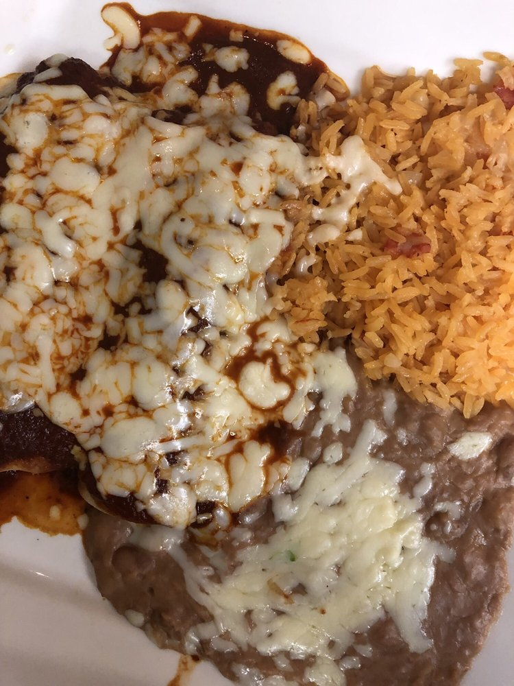 El Sombrero: 2900 Rice St, Little Canada, MN