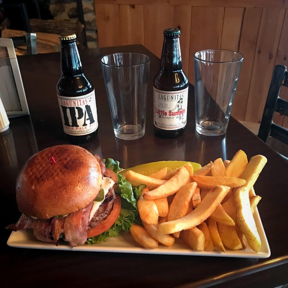 Highland Pub: 75 Ski Hill Drive, Northfield, NH