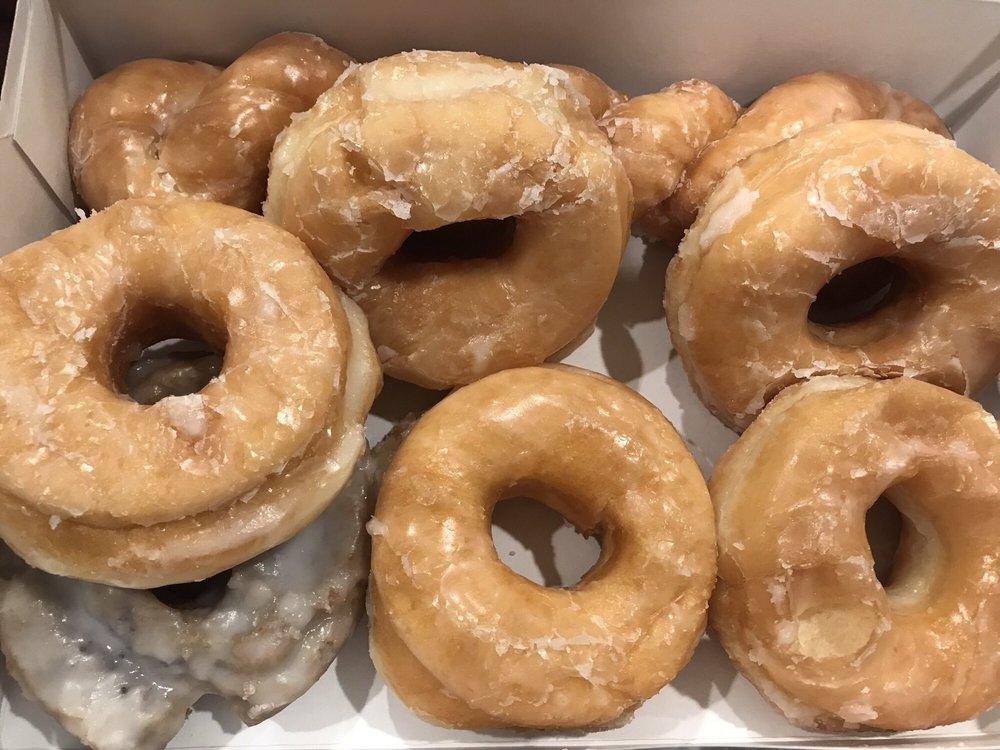 Mary Lee Donuts: 625 S Burnside Ave, Gonzales, LA