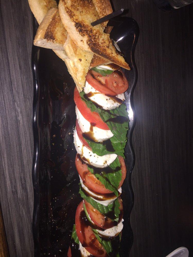 Sweet Melissa's Pizza & Pub: 134 W Rand Rd, Lakemoor, IL