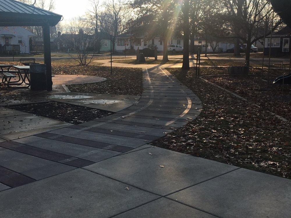 Santa Fe Park: 100 Park Blvd, Chillicothe, IL