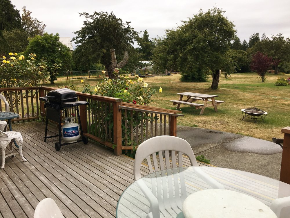 Williams Manor: 4043 Sequim Dungeness Way, Sequim, WA
