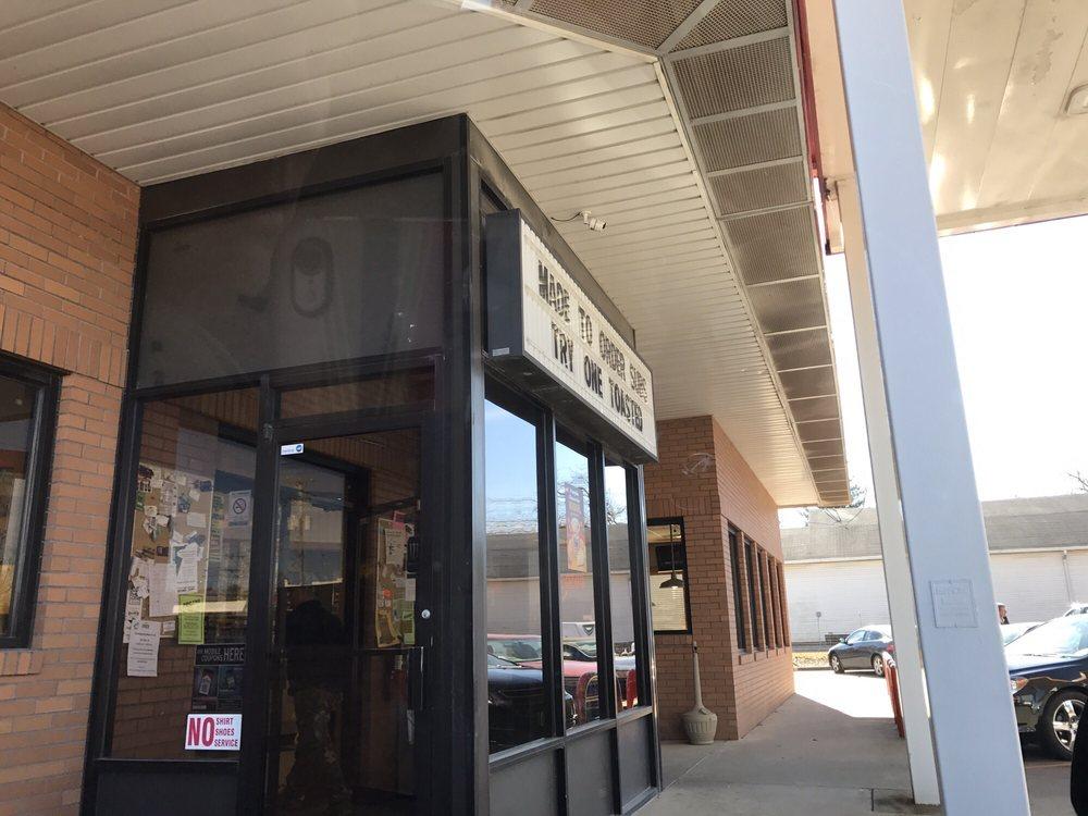 Doug's Food Mart: 201-245 South Division St, Norris City, IL