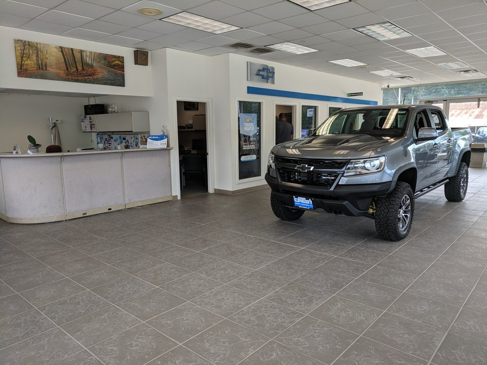 Crest Auto World: 802 Eastman Rd, North Conway, NH
