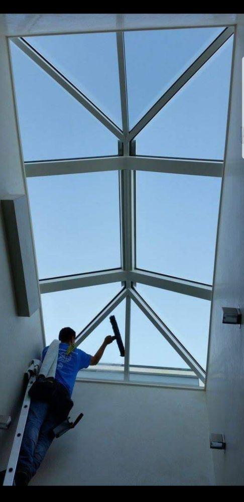 A Sparkling Finish Window Washers