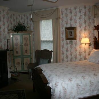 The Oaks Victorian Inn 46 Photos Hotels 311 E Main St