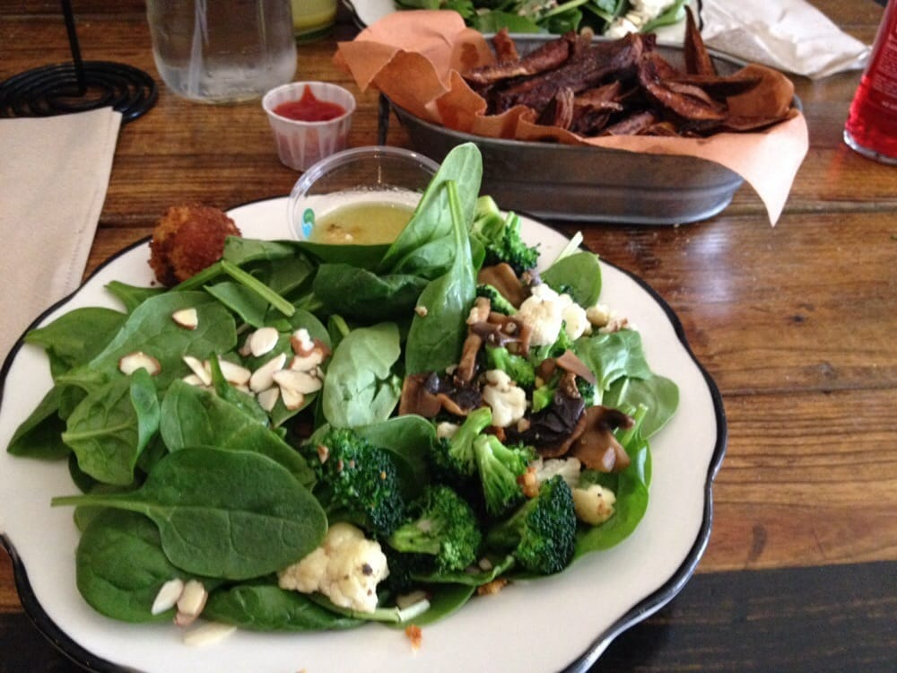 Horns - CLOSED - 25 Photos & 92 Reviews - American (New) - 123 W 4th ...