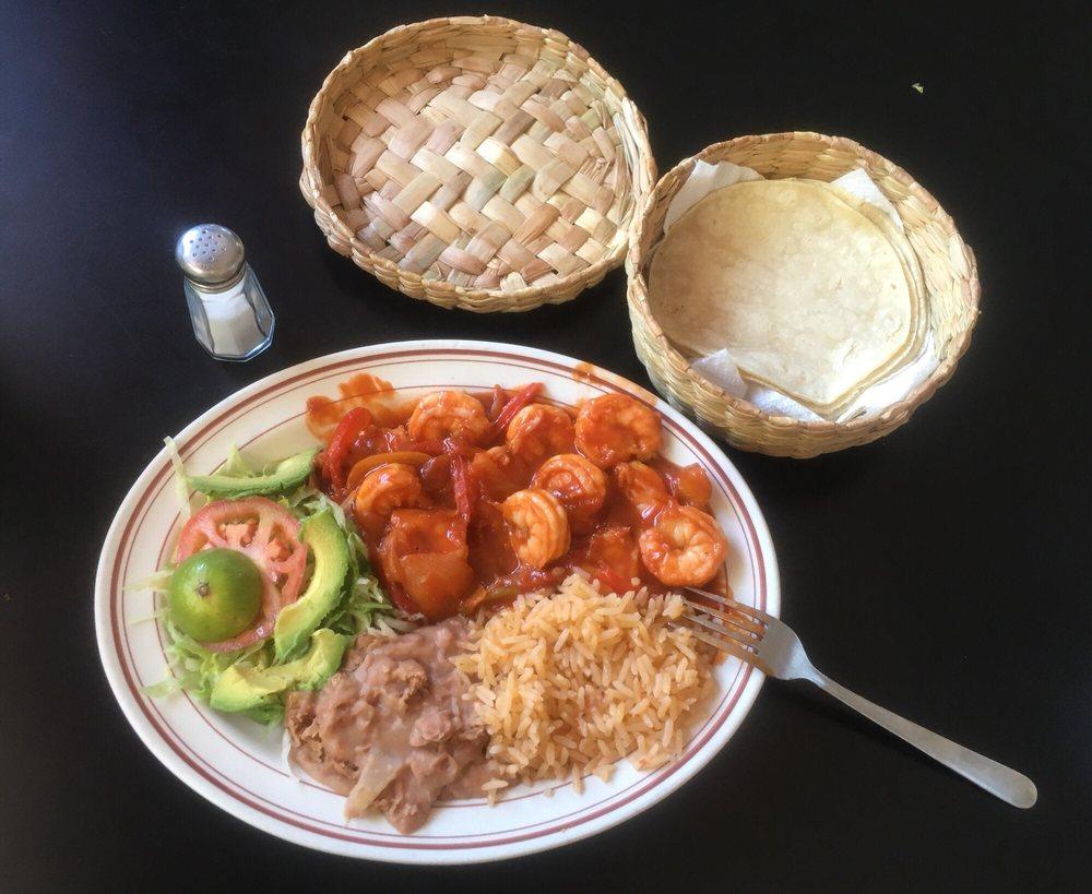 Tacos Y Mariscos El Rodeo: 648 N Riverside Dr, Espanola, NM