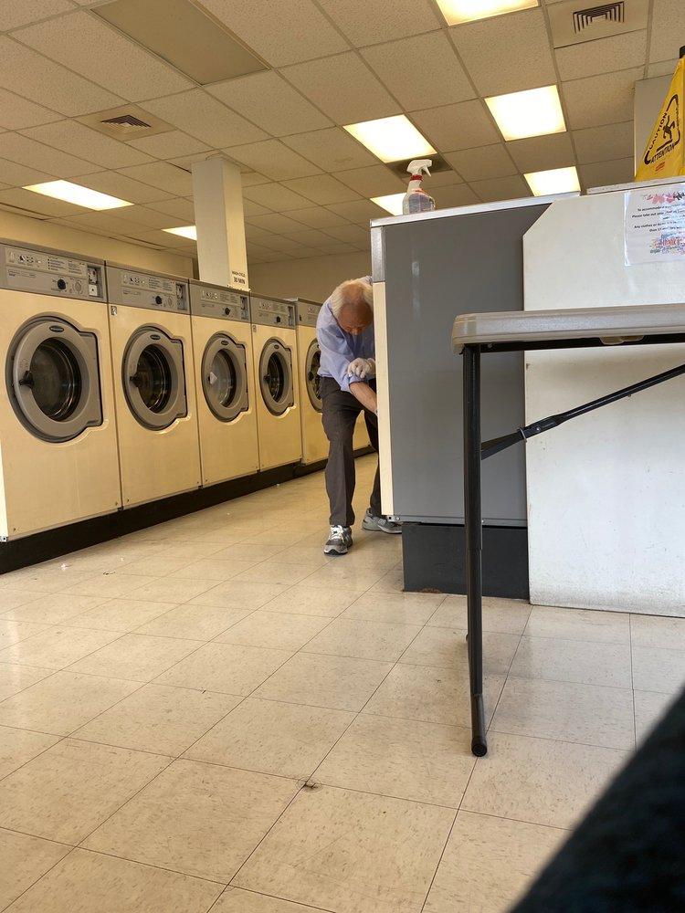 Rainier Cleaners & Laundromat: 7315 27th St W, Tacoma, WA