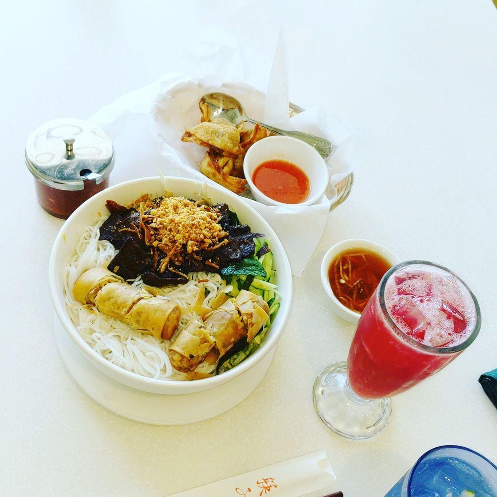Food from Loving Hut