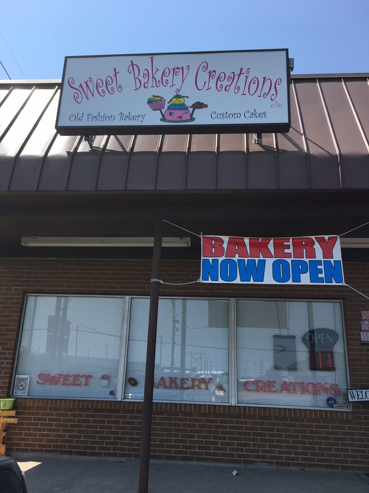 Sweet Bakery Creations: 2709 N Center St, Maryville, IL