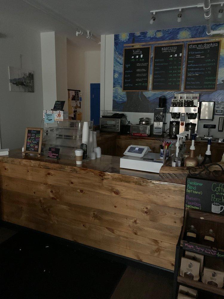 Huiskamer Coffee House: 216 Water St, Augusta, ME