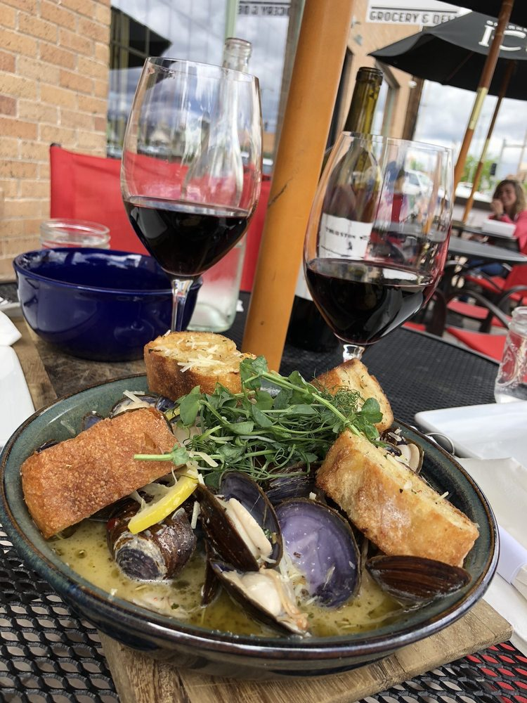 5th & Wine - formerly Wines By Wednesday: 214 5th St S, Great Falls, MT