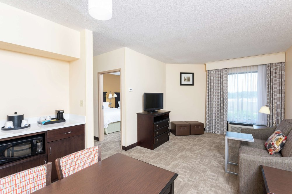 Hampton Inn & Suites Cleveland-Airport/Middleburg Heights: 7074 Engle Rd, Middleburg Heights, OH