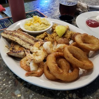 Photo Of Dave S Oyster Bar And Grill Gulf Breeze Fl United States