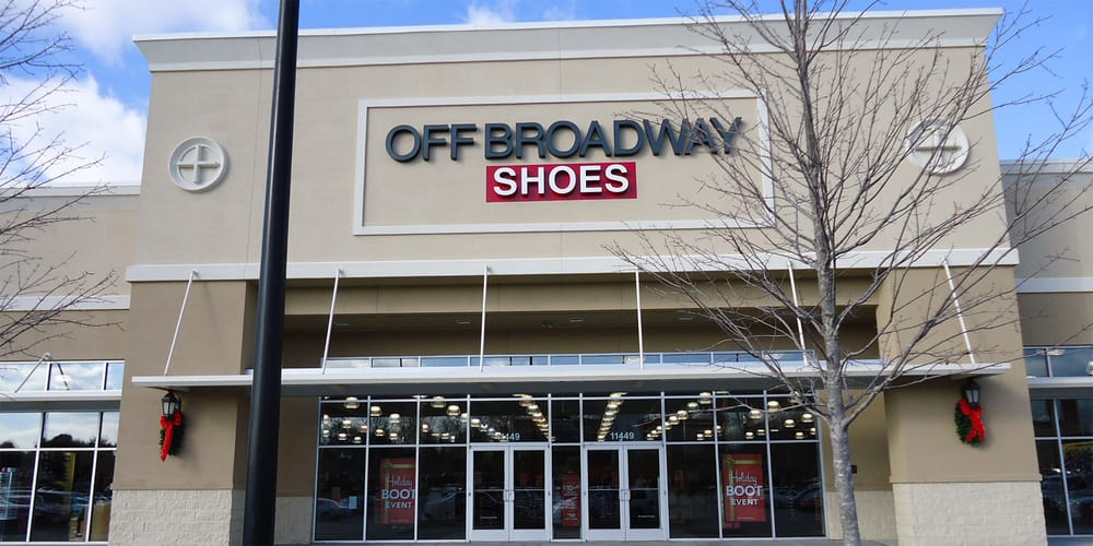 What are people saying about the leadership at Off Broadway Shoes?
