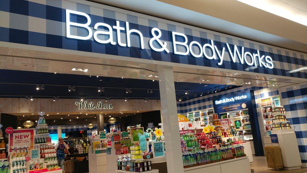 Bath & Body Works: 706 Kirkwood Mall, Bismarck, ND
