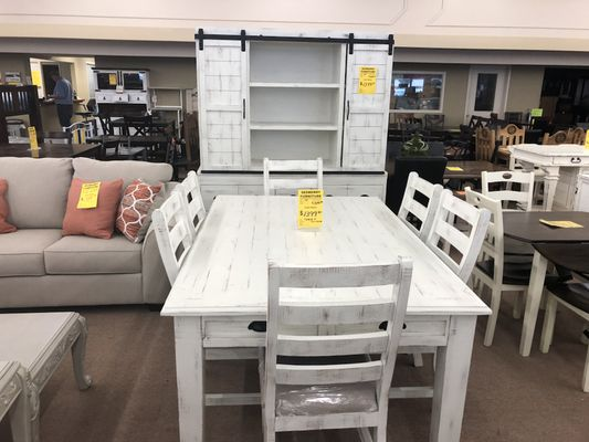 Sedberry Furniture 1726 Austin Ave 18th Street Waco Tx Dealers Showrooms Mapquest