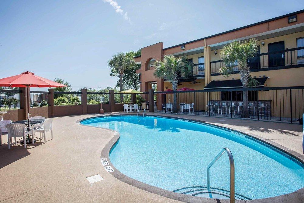 Quality Inn & Suites: 3608 Richland Ave W, Aiken, SC