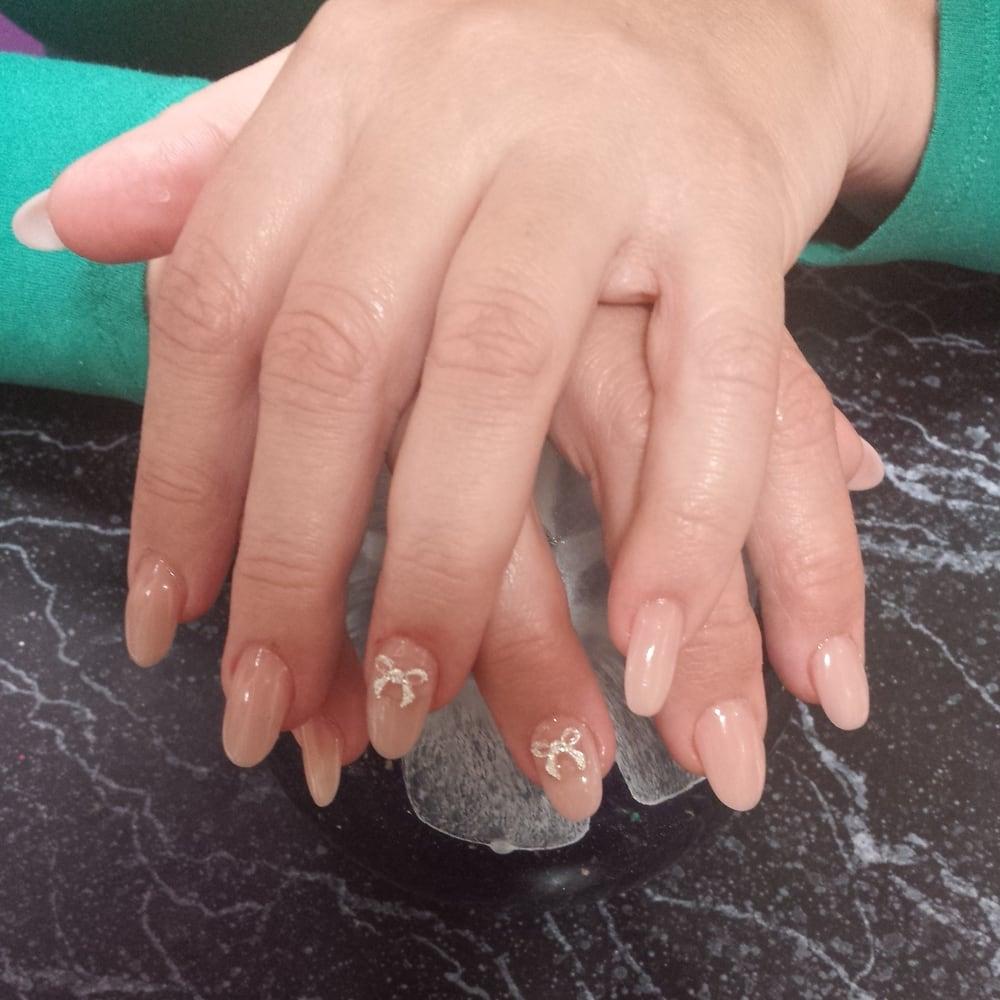 Natural powder nails, soft, pretty, Natural nails.with rhinestone ...