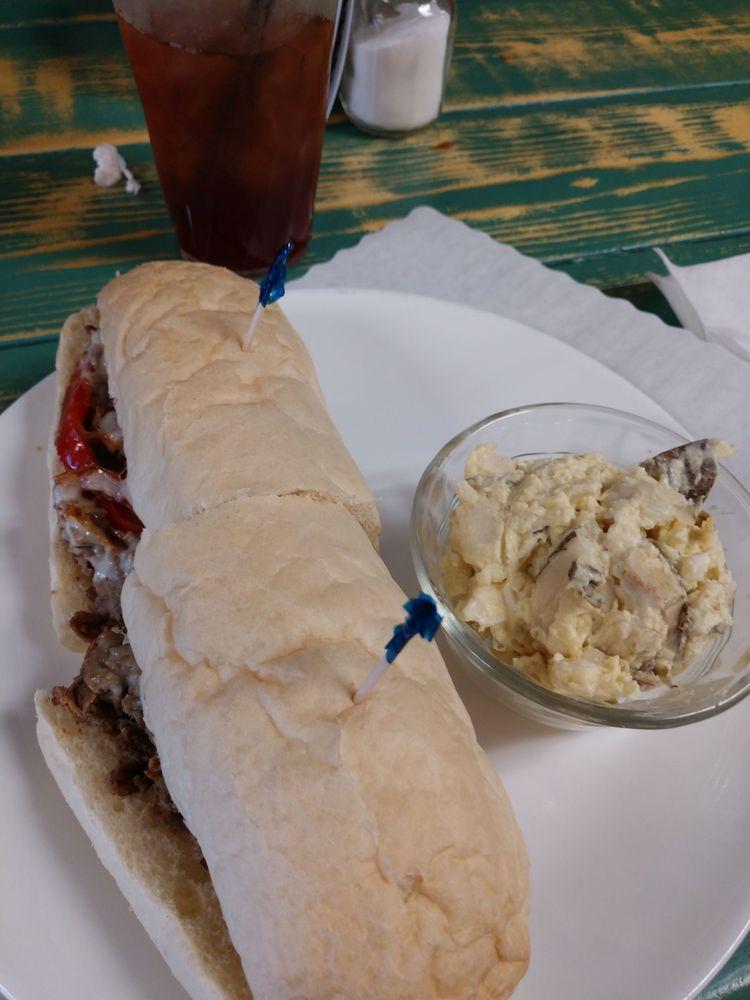 Grumpy's Diner: 244 SW Range Ave, Madison, FL