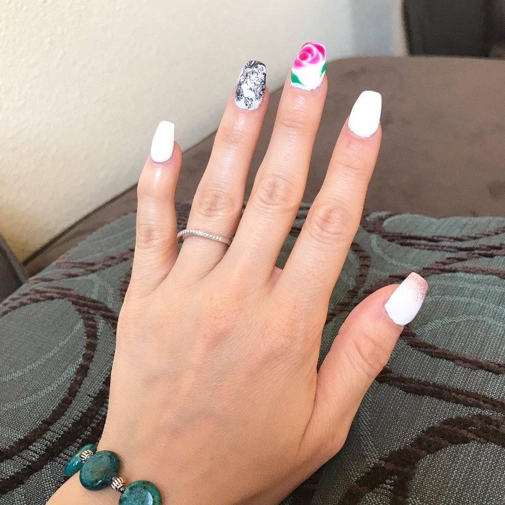 Queen Bee Nails and Spa: 10200 Corrales Rd NW, Albuquerque, NM