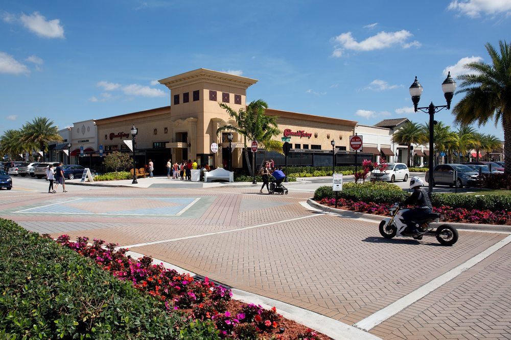 the shops at pembroke gardens 46 photos 82 reviews