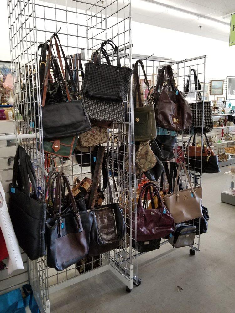 MVAC Thrift & More: 1607 S Broadway, New Ulm, MN