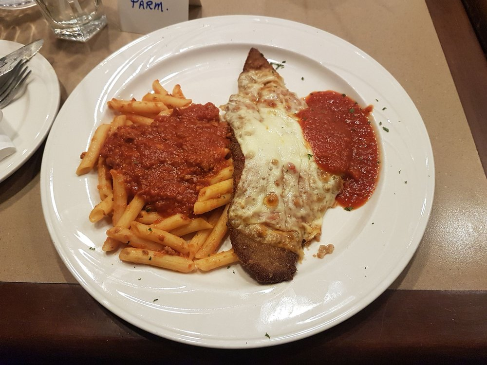 Armando's Restaurant & Pizzeria: 3202 Walker Road, Windsor, ON