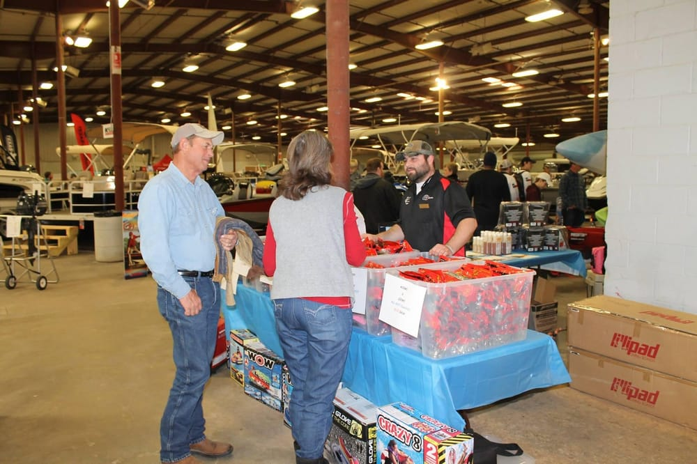 Marine Outlet: 4410 S General Bruce Dr, Temple, TX