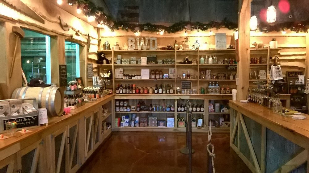 Bear Wallow Distillery: 4484 Old Indiana 46, Nashville, IN